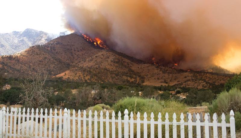 The Erskine Fire as seen from the backyard of Morgan Holmes Higgins '09.