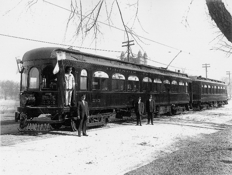 Image of Illinois Traction System train waiting for President Taft on West Main St. in front of Millikin University